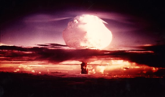 pro nuclear war And while the cold war is long gone, us nuclear weapons are still pointed at russia, while russia's nukes are pointed at new york russia's ss-18, which was named 'satan' by the pentagon, is capable of destroying an area the size of the new york state.